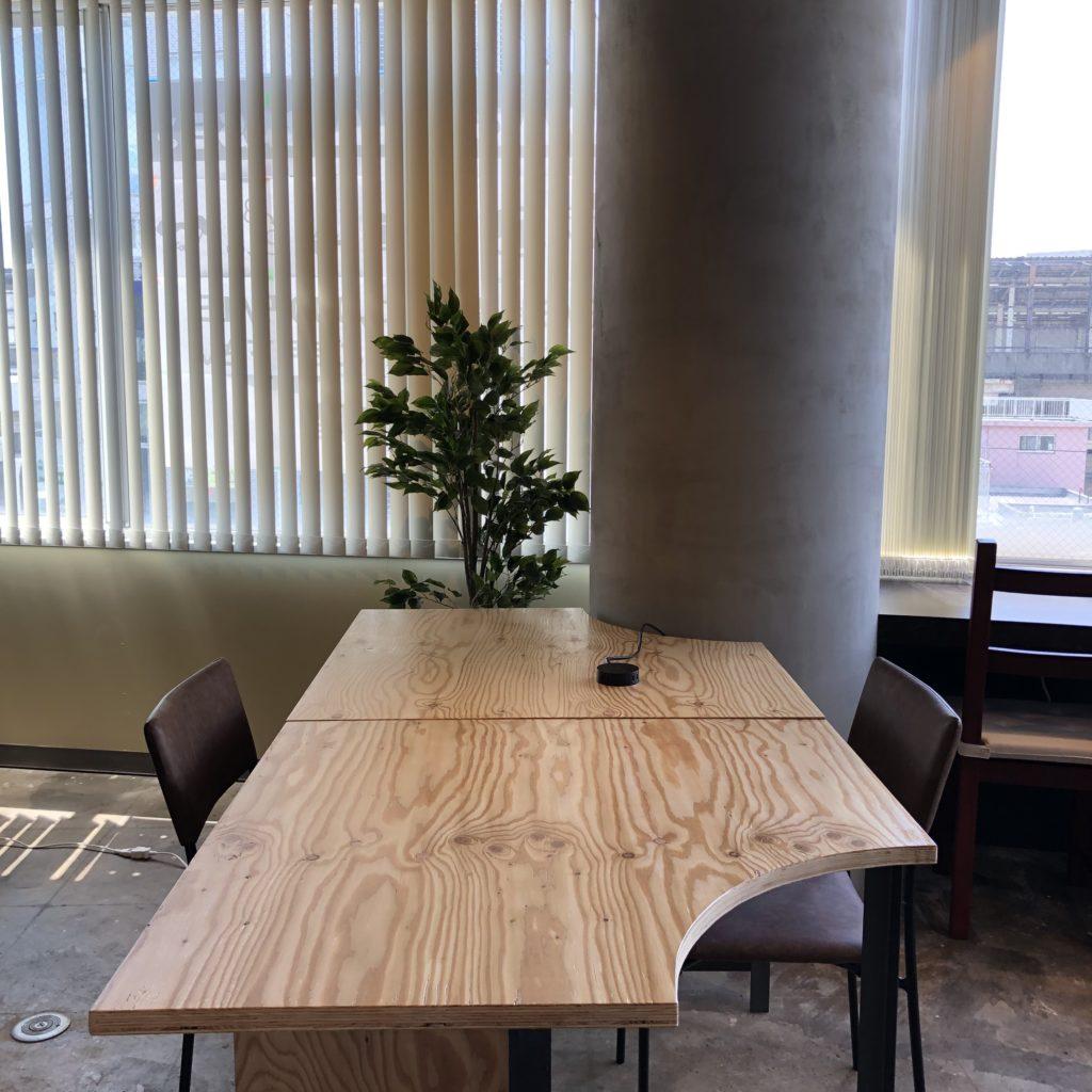 9.半テーブル(最大2人)